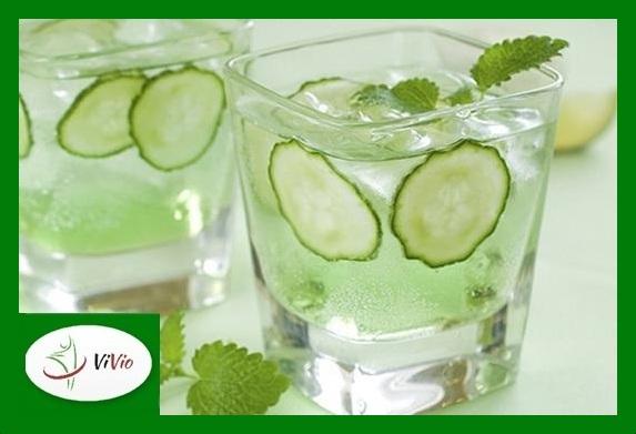 mix-cucumber-and-mint-and-create-powerful-fat-melting-drink-Copy1 Owocowe ochłodzenie: zimne, bezalkoholowe drinki do przygotowania w domu!