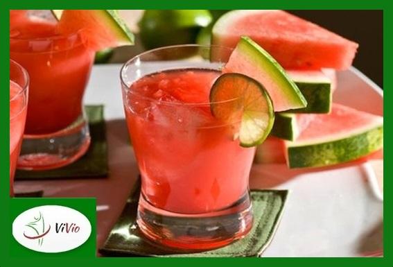 watermelon2-Copy Owocowe ochłodzenie: zimne, bezalkoholowe drinki do przygotowania w domu!
