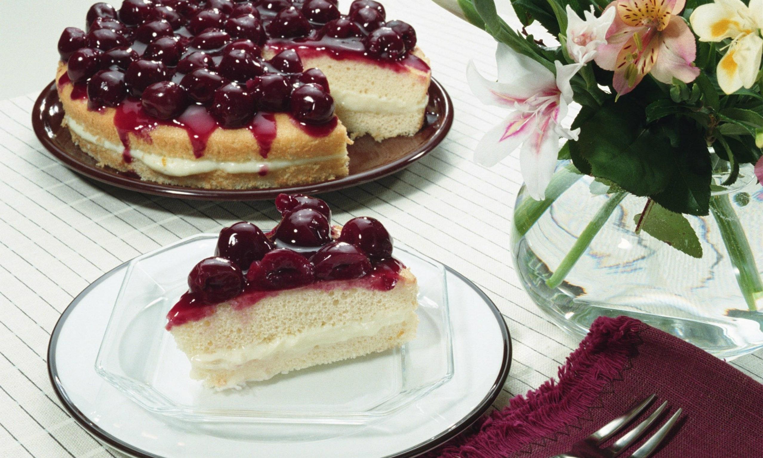 z1 Kruche ciasto z owocami i budyniową pianką