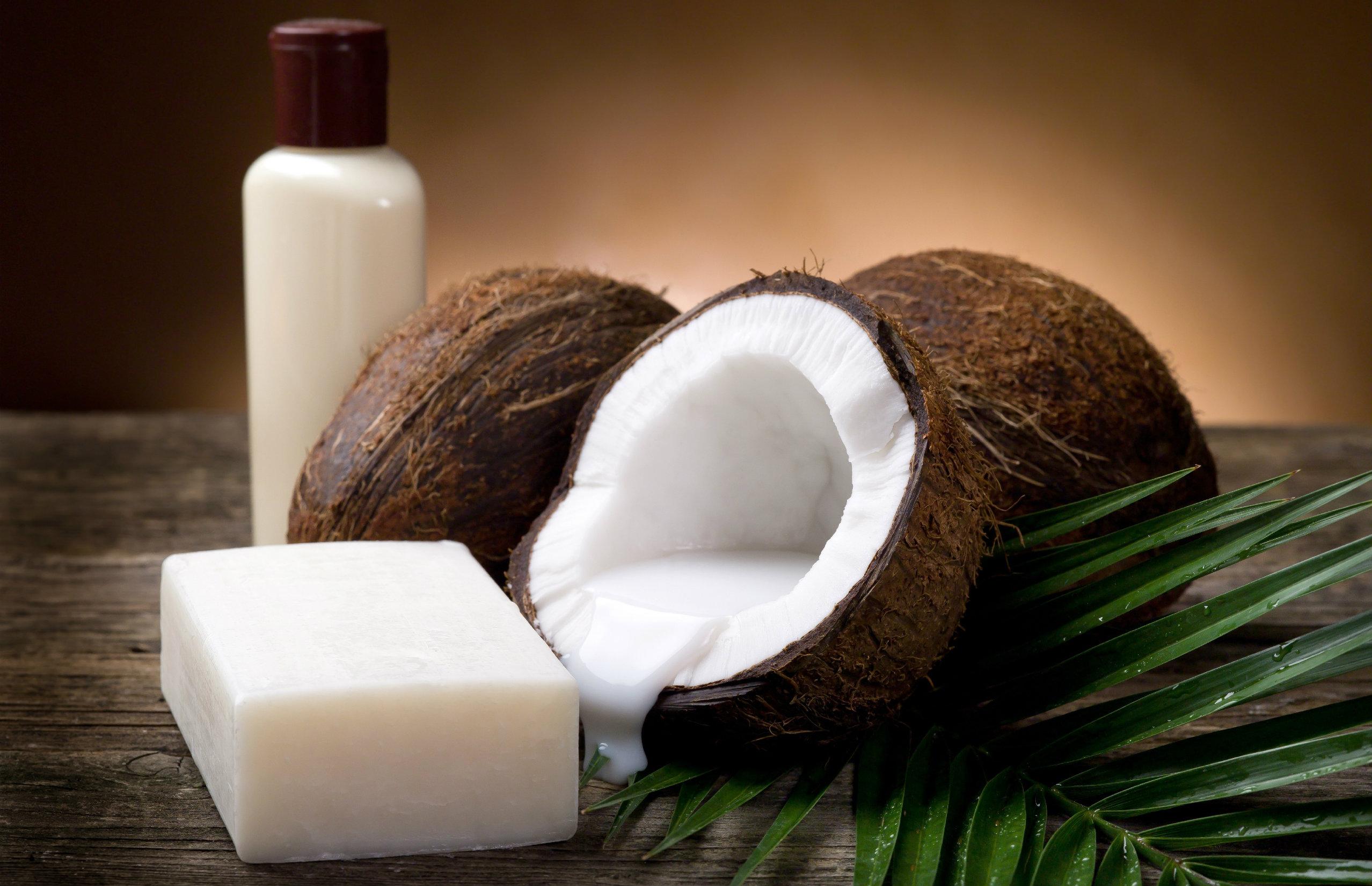 zielone-1-5 7 powodów, dla których warto używać olej kokosowy