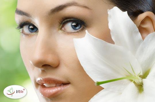 kwas_hialuronowy Małe błędy kosmetyczne, które sprawiają, że Twoja cera starzeje się zbyt szybko. Jak im przeciwdziałać?