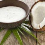 olej-kokosowy-150x150 PRZEPISY NA SAŁATKI: Sałatka z indykiem i truskawkami.  Coś w sam raz na podwieczorek!