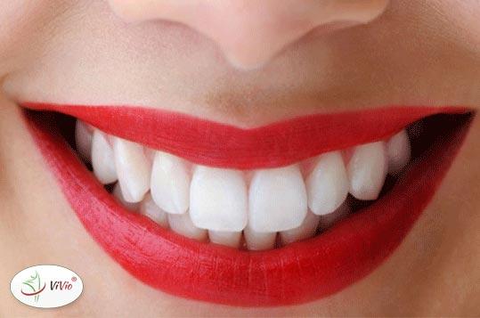 usmiech Wypróbuj domowe sposoby na biały uśmiech! Przetestuj NOWOŚĆ – pastę czyszczącą z aktywnym węglem!