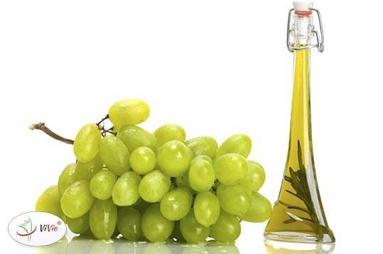 olej-z-pestek-winogron Olej z pestek winogron - czy warto stosować? Zobacz przepis!