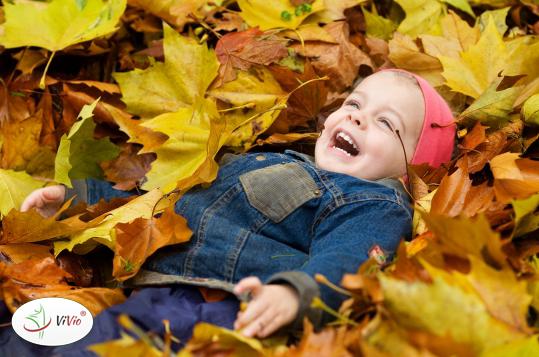 dziecko_odpornosc TEMAT NA CZASIE: Jak zadbać o odporność dziecka po powrocie do szkoły? Sprawdzone sposoby!