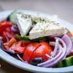 salata-ser-feta-150x150 Jedz maliny. Teraz smakują najlepiej!  Sprawdź przepis na placuszki z malinami, ksylitolem i olejem kokosowym