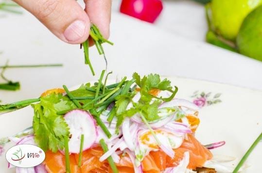 salatka_z_indykiem PRZEPISY NA SAŁATKI: Sałatka z indykiem i truskawkami.  Coś w sam raz na podwieczorek!