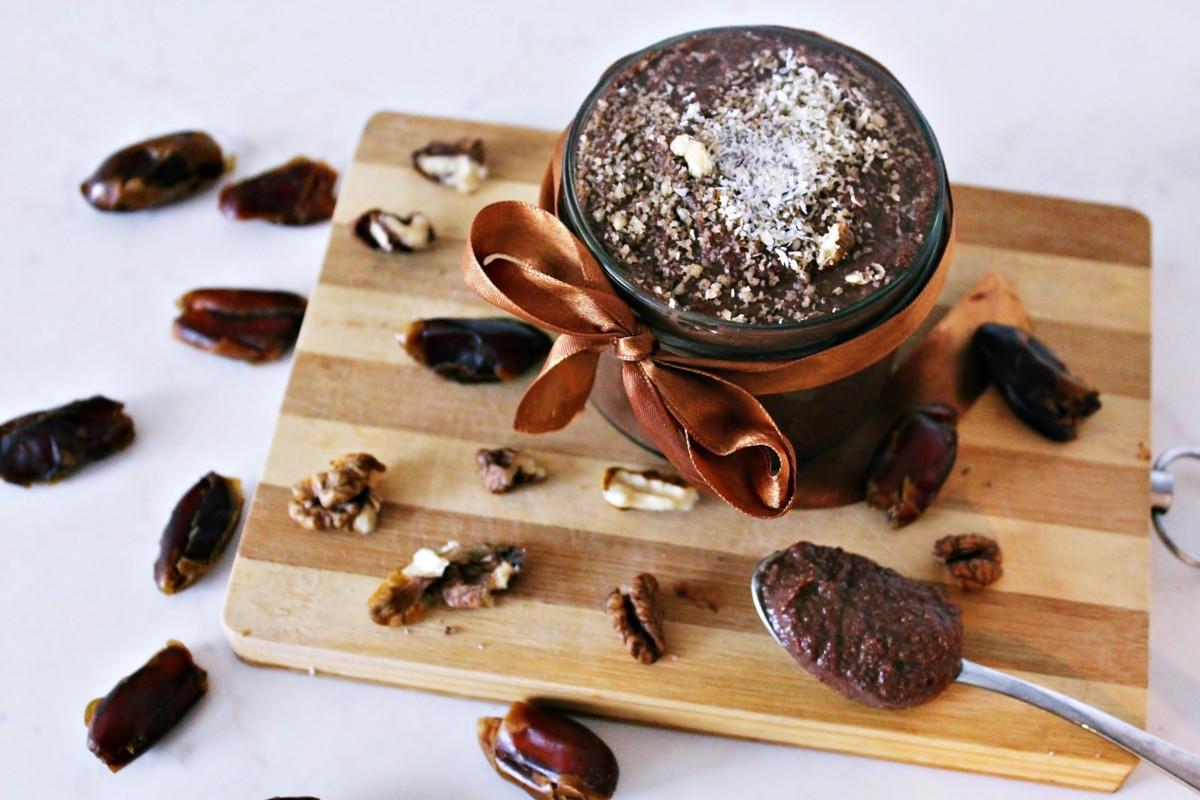 daktylowa_nutella Zdrowe zamienniki popularnych produktów w kuchni.  Dziś nutella z daktyli. Sprawdź!