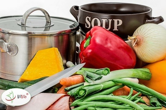 Wyróżniający-logo Przepis na pyszną zupę z lubczykiem w roli głównej!