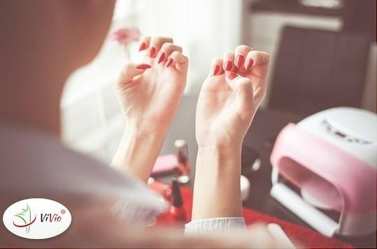 Wyróżniający-ok Jak dieta może wpłynąć na wygląd naszych włosów i paznokci?
