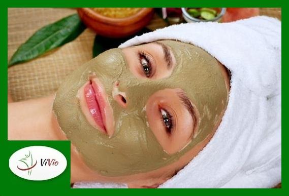 bigstock-Spa-Mud-Mask-Woman-in-Spa-Sal-42086701-793x560-Copy Glinki kosmetyczne - wybierz odpowiednią dla potrzeb swojej skóry