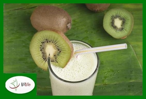 Kiwi-Coconut-and-Banana-Smoothie-Copy Mąka kokosowa. Sprawdź, jak ją stosować w codziennej diecie!