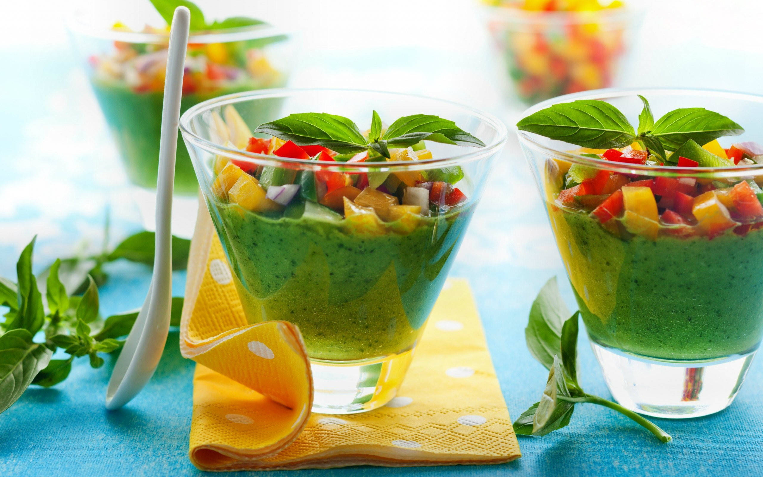 zielone-1-2 Pij te 3 koktajle na śniadanie każdego dnia i chudnij jak szalona!
