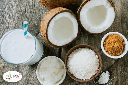 """cukier Cukier kokosowy - dlaczego warto nim zastąpić """"biały"""" cukier? <br> Wypróbuj przepis na razowe ciasto z bananami i cukrem kokosowym"""