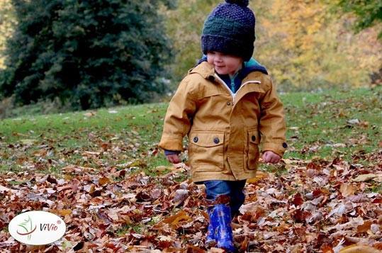 jesien TEMAT NA CZASIE: Jak zadbać o odporność dziecka po powrocie do szkoły? Sprawdzone sposoby!