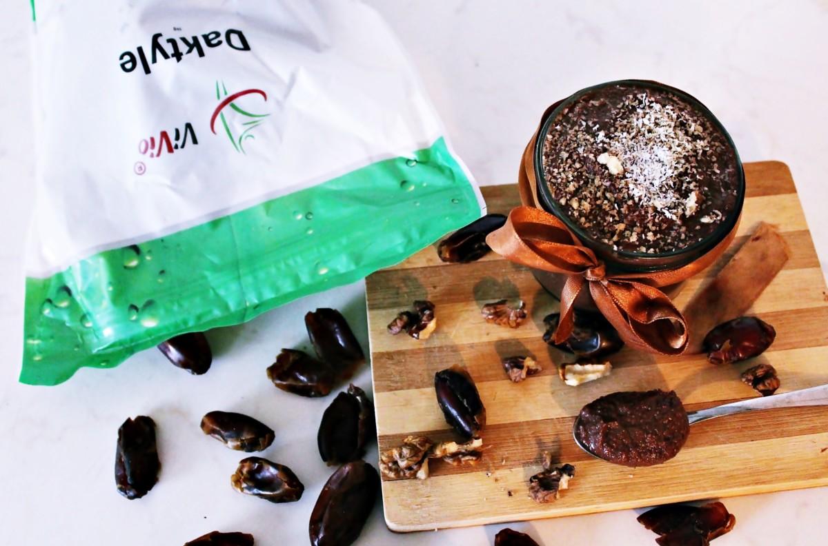 nutella-z-daktyli Zdrowe zamienniki popularnych produktów w kuchni.Dziś nutella z daktyli. Sprawdź!