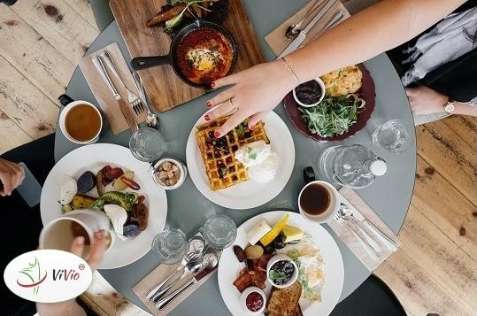 Wyróżniający-ok-1 Kiedy zajadamy stres – jak poradzić sobie z niekontrolowanym objadaniem się?