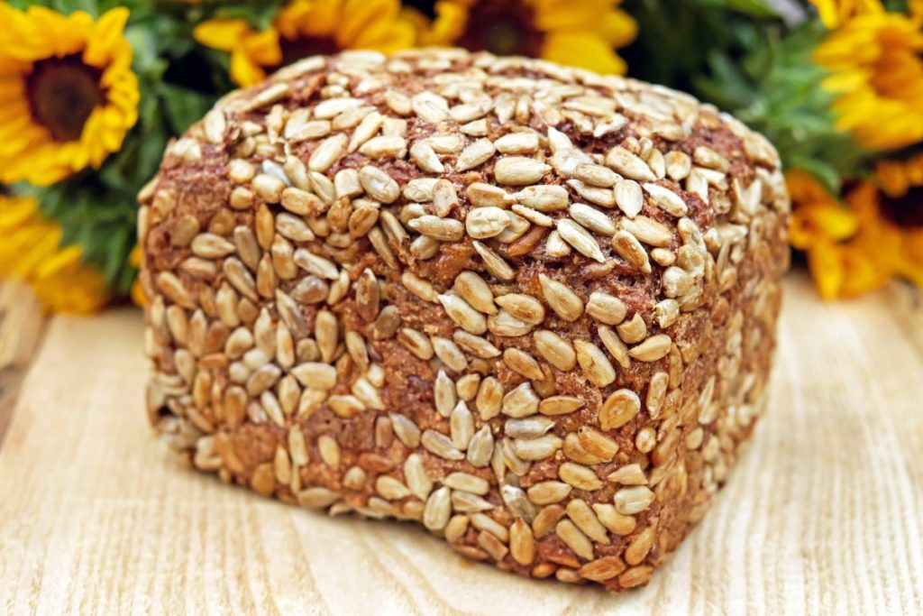 bread-1510298_1920-1024x683 Płatki owsiane na 3 sposoby. Podpowiadamy jak wykorzystać je w naszej kuchni!