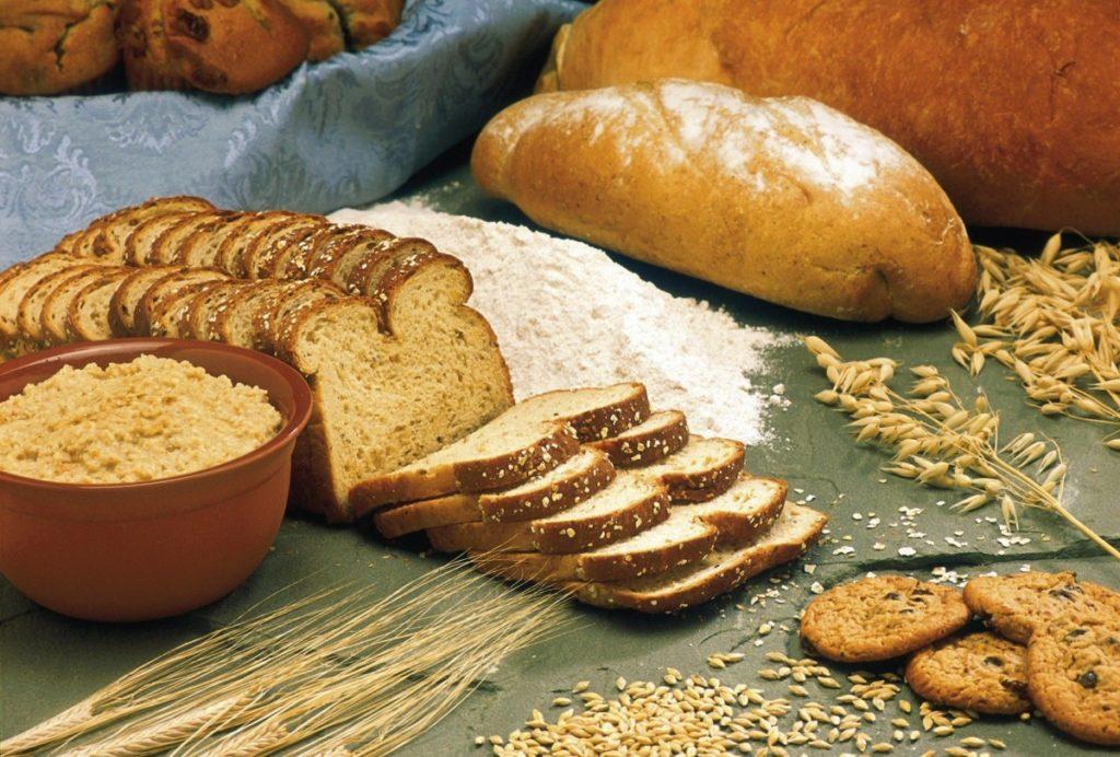breads-1417868_1920-1024x692 Płatki owsiane - jakie wartości odżywcze w sobie skrywają i dlaczego warto je jeść?