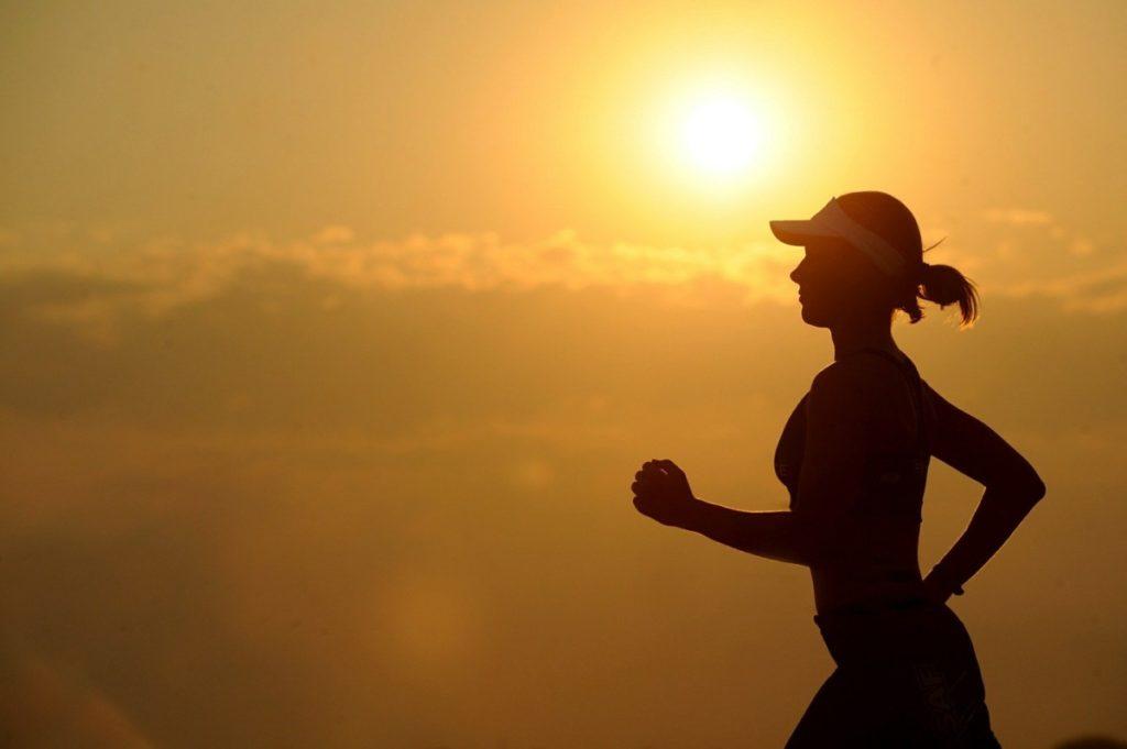 running-573762_1920-1024x681 Sposób na jędrne pośladki – podpowiadamy co jeść i jak ćwiczyć, aby osiągnąć wymarzoną figurę