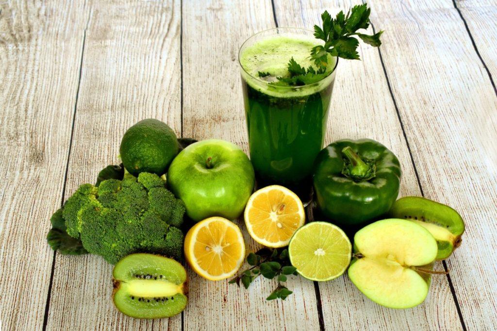 smoothie-3697014_1920-1024x682 Nie daj się grypie i przeziębieniu! Co jeść, aby wzmocnić swoją odporność?