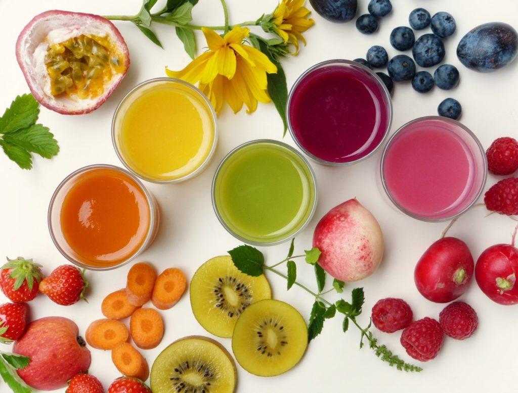 smoothies-3809508_1920-1024x778 Jak przygotować pożywny koktajl energetyczny na bazie warzyw i owoców? Poznaj nasze propozycje!