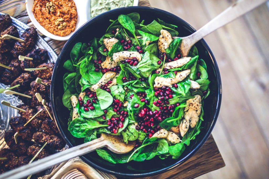 spinach-791629_1920-1024x683 Szybkie i zdrowe dania – podpowiadamy jak je przygotować
