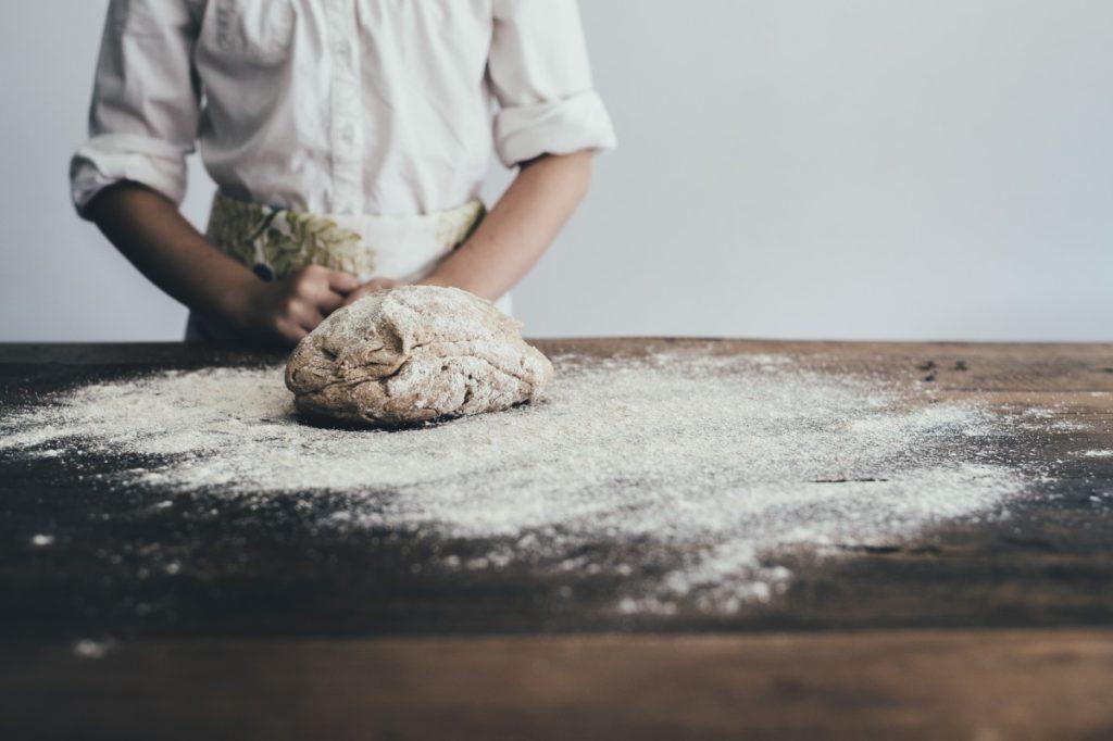 bakery-1868396_1920-1024x682 Jak przygotować smaczne ciasta z warzyw?